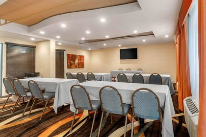 Meeting Facility | Clarion Inn & Suites West Knoxville