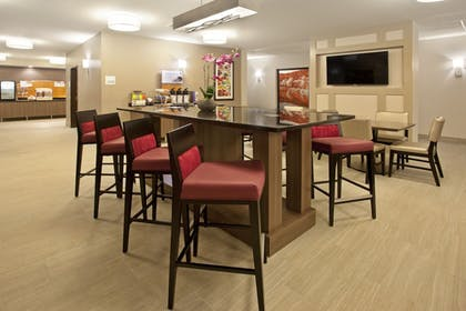 Breakfast Area | Holiday Inn Express Hotel & Suites Minneapolis-Minnetonka