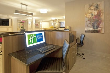 Business Center | Holiday Inn Express Hotel & Suites Minneapolis-Minnetonka