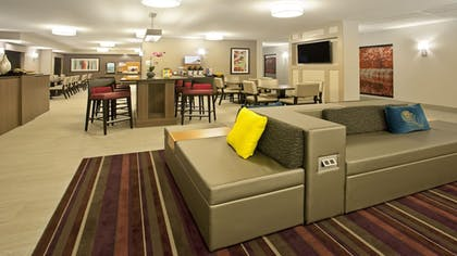 Lobby | Holiday Inn Express Hotel & Suites Minneapolis-Minnetonka