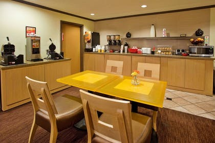 Property Amenity | La Quinta Inn & Suites by Wyndham Columbus State University