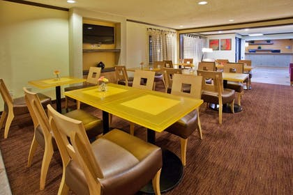 Dining | La Quinta Inn & Suites by Wyndham Columbus State University