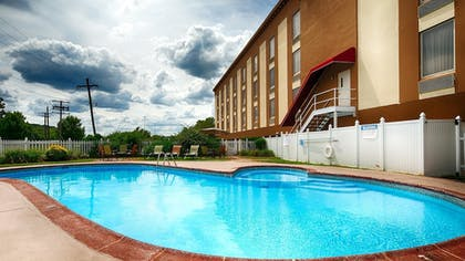 Pool | Best Western Fort Washington Inn
