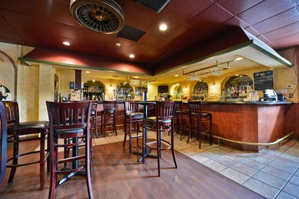 Hotel Bar | Best Western Plus La Porte Hotel & Conference Center