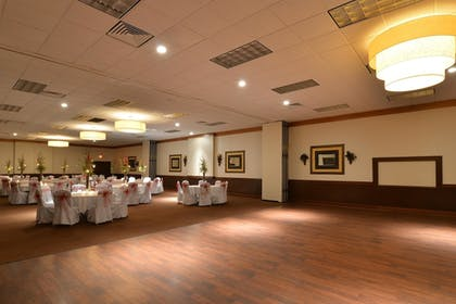 Ballroom | Best Western Plus La Porte Hotel & Conference Center