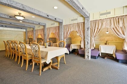 Restaurant | Best Western Plus La Porte Hotel & Conference Center