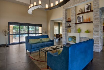 Lobby Sitting Area | Days Inn & Suites by Wyndham Scottsdale North