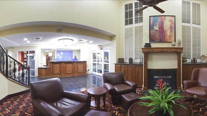 Lobby Sitting Area   Holiday Inn Express Hotel & Suites Huntersville - Birkdale
