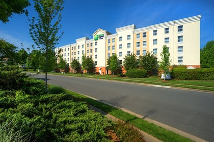 Featured Image   Holiday Inn Express Hotel & Suites Huntersville - Birkdale