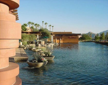 Point of Interest   Holiday Inn Express & Suites Rancho Mirage