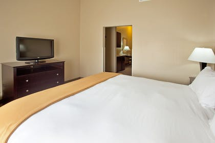 Room   Holiday Inn Express & Suites Rancho Mirage