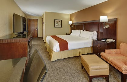 Room | Holiday Inn Express Hotel & Suites San Diego-Sorrento Valley