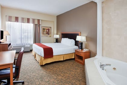 Guestroom | Holiday Inn Express Hotel & Suites Charlotte-Concord-I-85