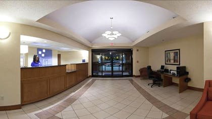 Lobby | Holiday Inn Express Hotel and Suites Kinston