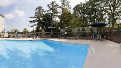 Outdoor Pool | Holiday Inn Express Hotel and Suites Kinston