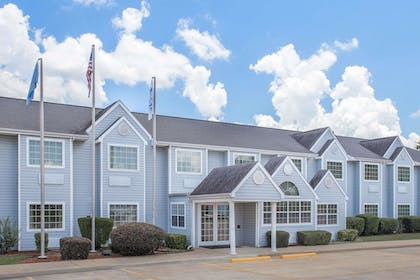 Featured Image | Microtel Inn by Wyndham Broken Bow