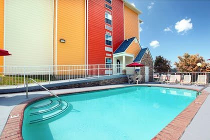Outdoor Pool | Microtel Inn & Suites by Wyndham Pigeon Forge