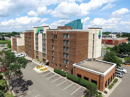 Aerial View   Holiday Inn Express & Suites Bloomington - MPLS Arpt Area W