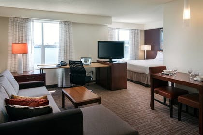 Guestroom | Residence Inn by Marriott San Francisco Airport at Oyster Pt