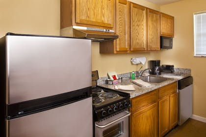 In-Room Kitchen   TownePlace Suites by Marriott Metairie New Orleans