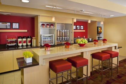 Dining   TownePlace Suites by Marriott Metairie New Orleans