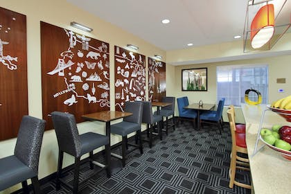 Restaurant | TownePlace Suites by Marriott San Jose Cupertino