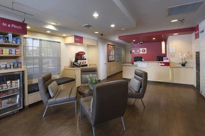 Lobby | TownePlace Suites by Marriott Atlanta Alpharetta