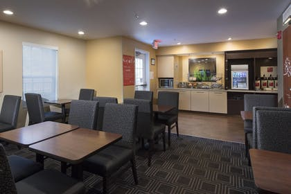 Restaurant | TownePlace Suites by Marriott Atlanta Alpharetta