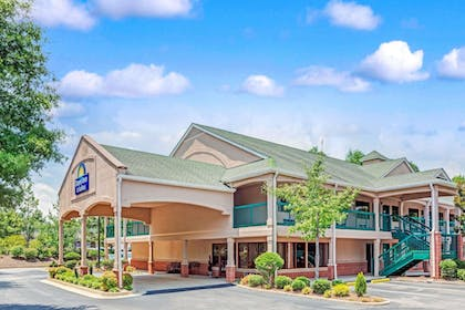 Featured Image | Days Inn & Suites by Wyndham Peachtree City