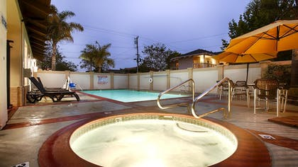 Outdoor Spa Tub | Best Western Plus Capitola By-the-sea Inn & Suites