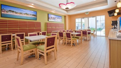 Restaurant | Best Western Plus Capitola By-the-sea Inn & Suites