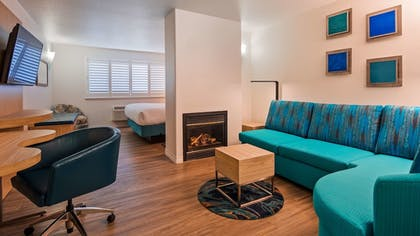 Room | Best Western Plus Capitola By-the-sea Inn & Suites