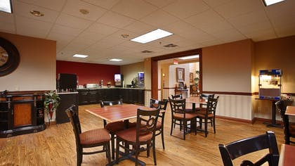 Breakfast Area | Best Western Plus Georgetown Corporate Center Hotel