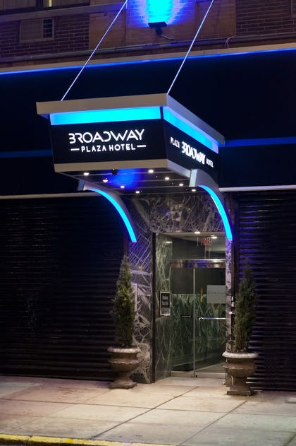 Hotel Entrance | Broadway Plaza Hotel