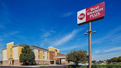 Exterior | Best Western Plus Liberal Hotel & Suites