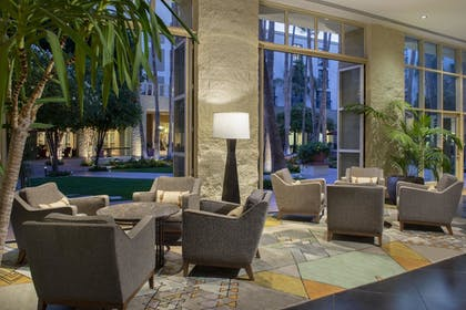 Lobby Sitting Area | Tempe Mission Palms Hotel