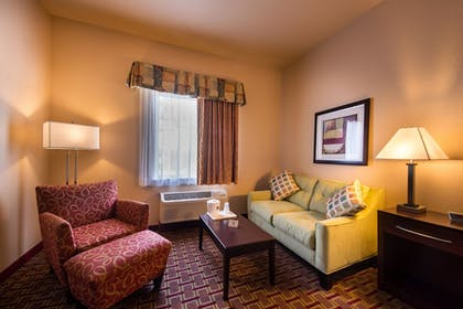Living Area | Best Western Tampa