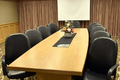 Meeting Facility | Comfort Suites Linn County