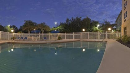 Outdoor Pool | Holiday Inn Express Hotel & Suites Plant City