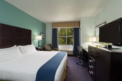 Guestroom | Holiday Inn Express Hotel & Suites Plant City