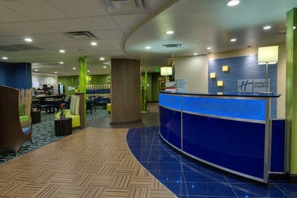 Lobby | Holiday Inn Express Hotel & Suites Plant City