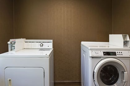 Laundry Room | Holiday Inn Express Hotel & Suites Plant City