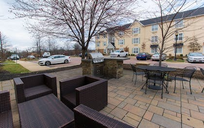 Terrace/Patio | Hawthorn Suites by Wyndham Sterling Dulles