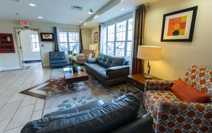Lobby Lounge | Hawthorn Suites by Wyndham Sterling Dulles