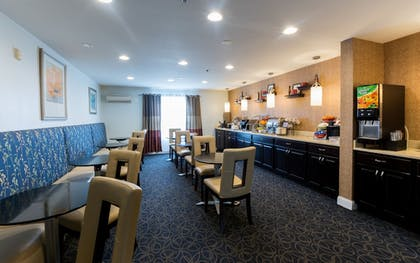 Breakfast Area | Hawthorn Suites by Wyndham Sterling Dulles