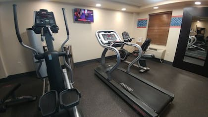 Fitness Facility | Hampton Inn and Suites St. Petersburg Downtown