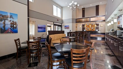 Breakfast Area | Best Western Bayou Inn & Suites