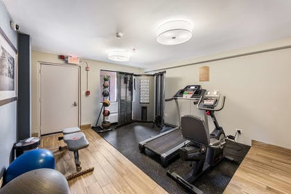 Fitness Facility   Red Roof Inn Morton Grove