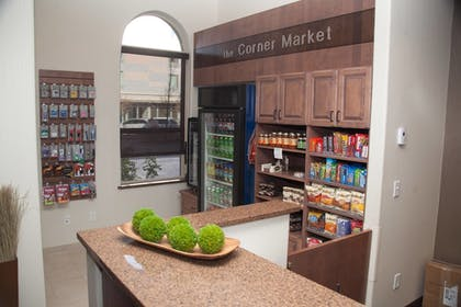 Snack Bar | Fairfield Inn & Suites by Marriott Grand Junction Downtown