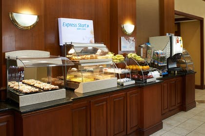 Breakfast Area | Holiday Inn Express & Suites Detroit Downtown